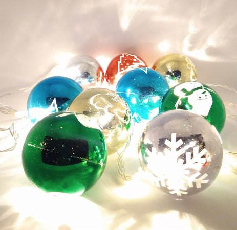 Cordão Luminária Natal Led Warm ( branco quente) Com 10 Bolas Natal Coloridas 127V Fio Transparente (Pilha ou Usb) R.28943 Unidade