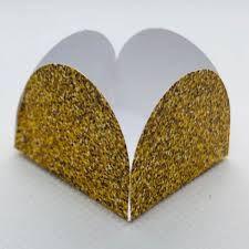 Forminha 4 Pétalas Dourado Com Glitter Com 50