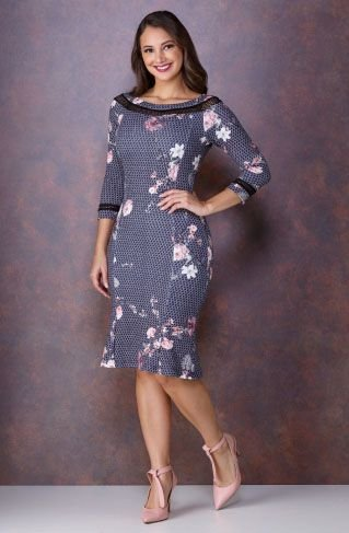 Vestido Floral com Gola Canoa e Detalhe de Arrastão 4019 Tata Martello - Moda Evangélica