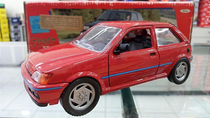 Shabak - Ford Fiesta XR2i - 1/24 (Sucata)