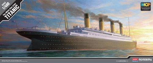 Academy - RMS Titanic - 1/400
