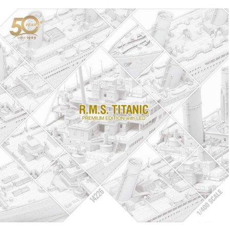 Academy - RMS Titanic Academy's 50th Anniversary Premium Edition with Led  - 1/400