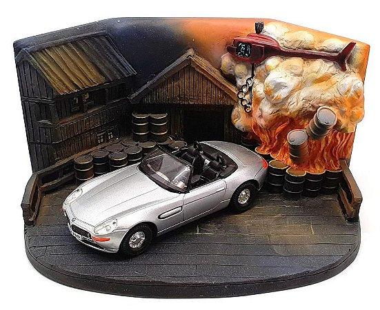 CORGI - 007 The World is not Enough (BMW Z8 & Diorama) - 1/36