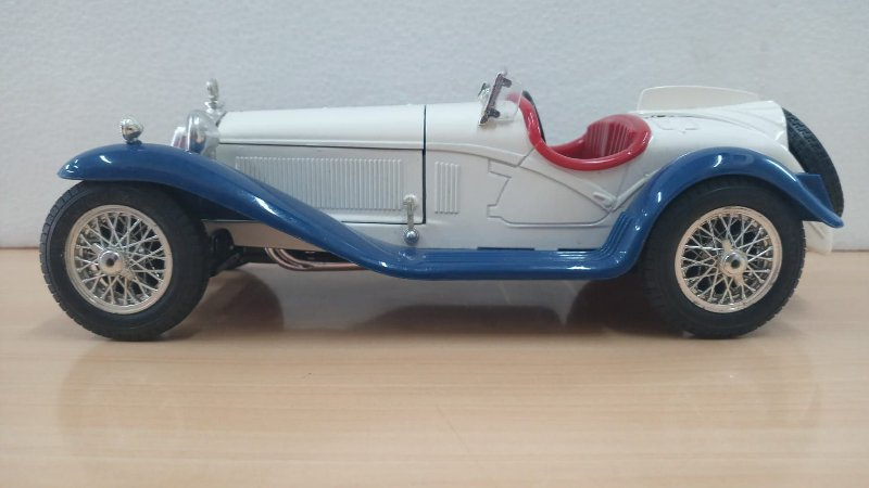 Burago - Alfa Romeo 2300 Spider (Sem Caixa) - 1/18