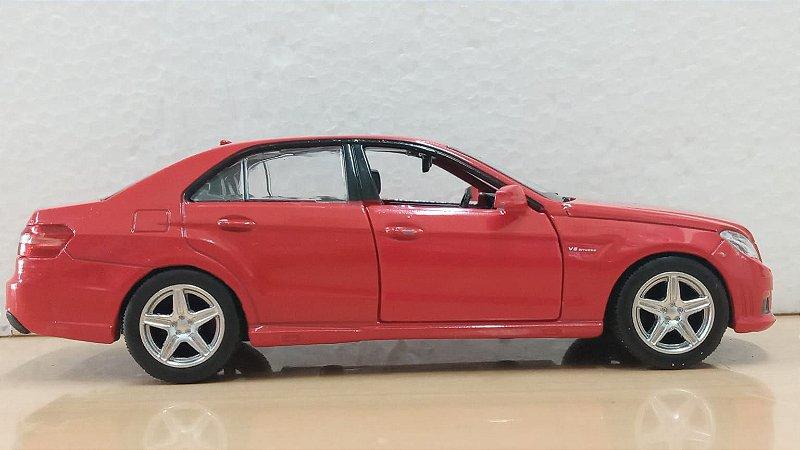 Uni Fortune - Mercedes-Benz E63 AMG - 1/32