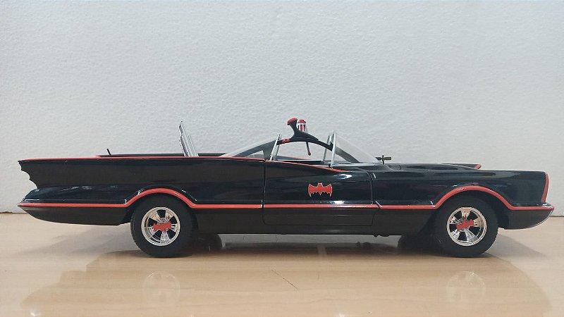 Hot Wheels - Batmobile versão 1966/1968 (Batman, Série Clássica da TV) - 1/18 (Sem Caixa)