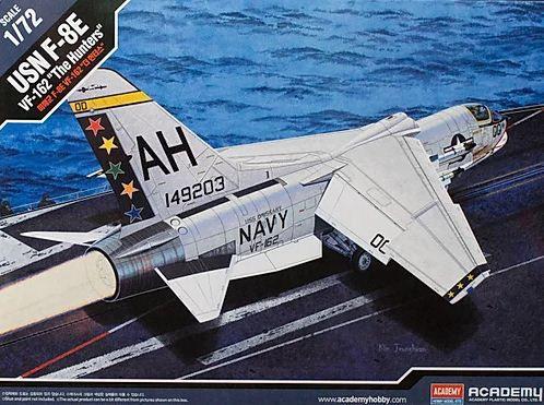 "Academy - USN F-8E VF-162 ""The Hunters"" - 1/72"