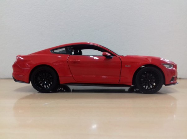 Welly - Ford Mustang GT 2015 - 1/24