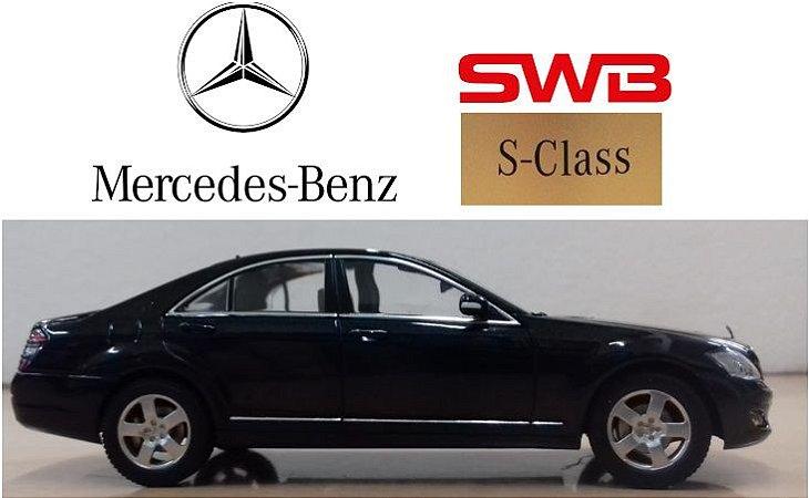 Auto Art - Mercedes-Benz S-Klasse SWB 2005 - 1/43