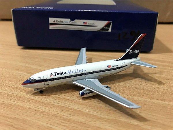 """Aero Classics - Boeing 737-200 """"Delta Airlines"""" - 1/400"""