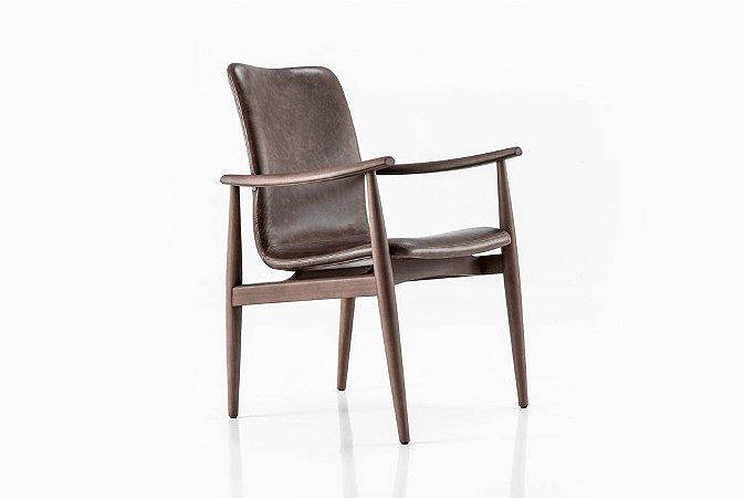 Cadeira Sato com braço (Couro)