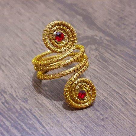Anel Capim Dourado C/Strass Vermelho Cód. A20 - Hipoalergênico