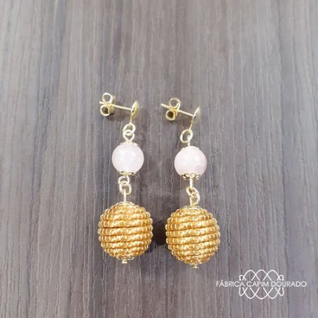 Brinco Capim Dourado C/ Pedra Natural Quartzo Rosa Cód. B407 - Hipoalergênico