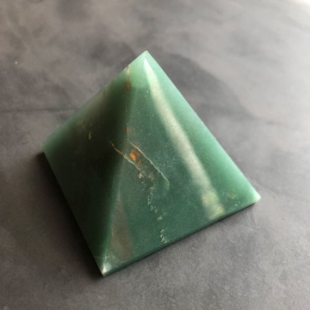 Pirâmide Quartzo Verde M