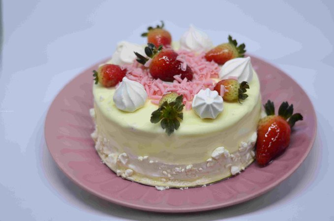 Bolo Torta de Morango c/ Suspiro