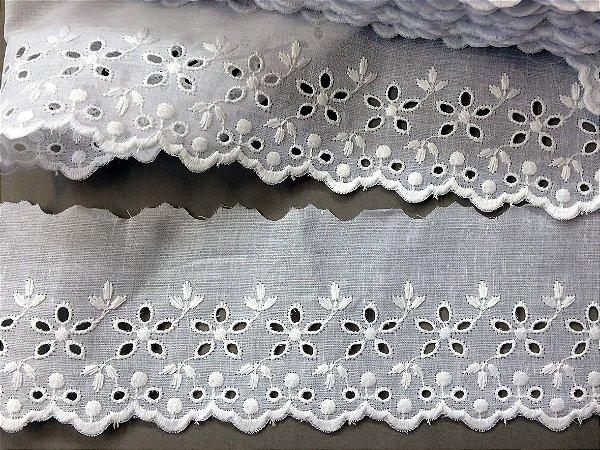 Tira Bordada 8,20 cm - 100% algodão branco   Peça com 14,40 m