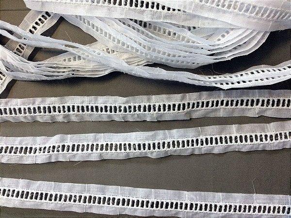 Entremeio ponto palito 2,20 cm - 100% algodão branco | Peça com 14,40 m