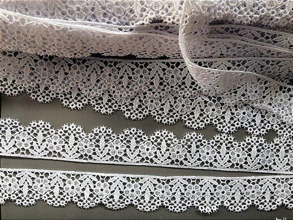 Renda Guipure 3,50 cm - 100% algodão branco   Peça com 7,20 m