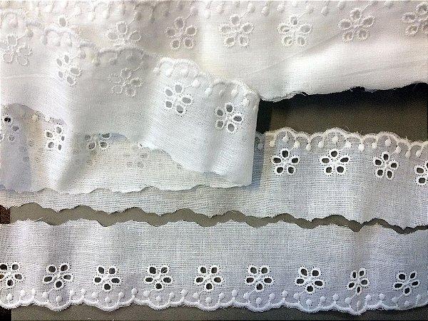 Tira Bordada 5,00 cm - 100% algodão branco   Peça com 7,20m