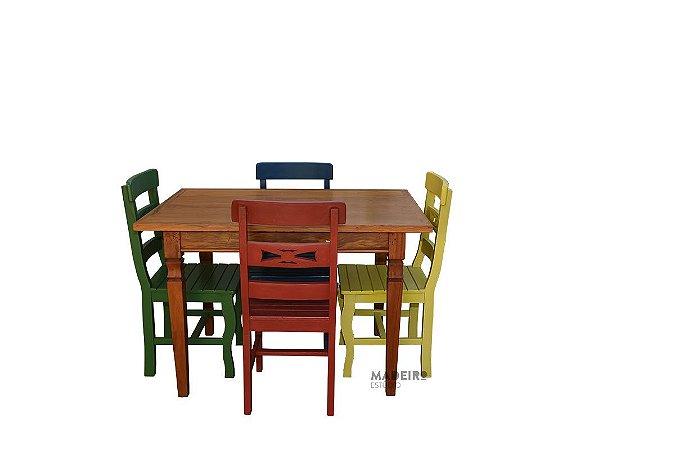 Jogo de mesa com cadeiras coloridas