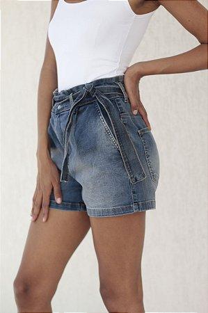 Short Jeans Cintura Alta com Cinto