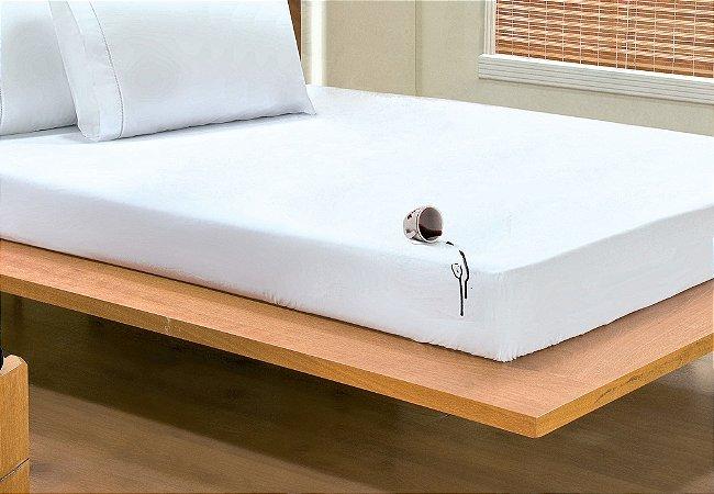 Protetor De Colchão Simples Impermeável Solteiro Para Colchão De 1,90m x 90cm x até 30cm de altura