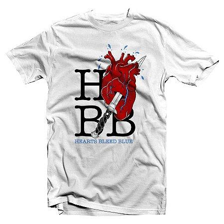 "Hearts Bleed Blue ""I Heart HBB"" Camiseta Branca"