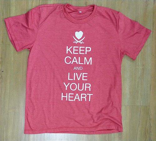 """Hearts Bleed Blue """"Keep Calm"""" Camiseta Vermelha"""
