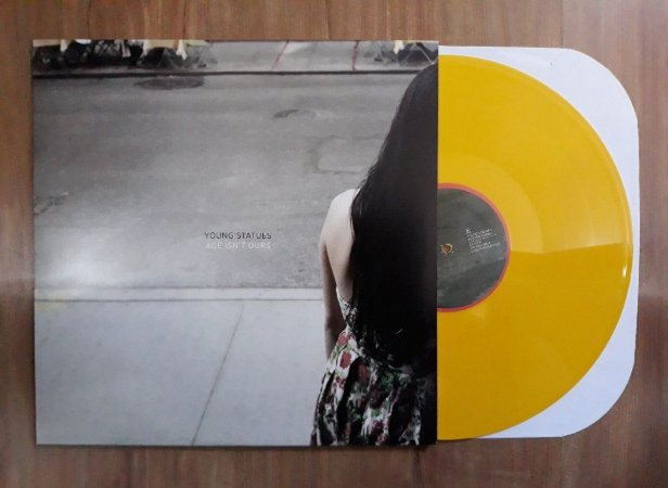 """Young Statues """"Age Isn't Ours"""" Vinil 12"""""""