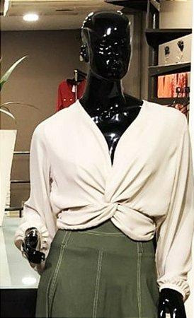 Blusa Fabric crepe manga longa com nó frontal na cor off
