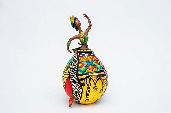 Índia feita em cabaça e biscuit | Artista: Letícia Baptista