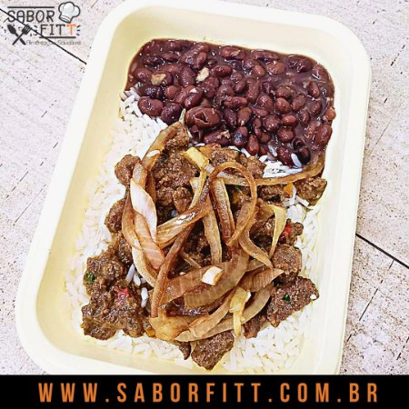 Picadinho de Carne Bovina Cebola Caramelizada + Arroz Branco  + Feijão Preto ( 350 Gramas)