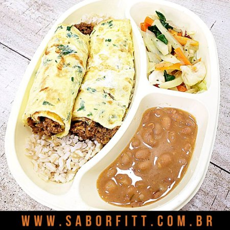Omelete Recheado com Patinho Moído + Arroz Integral + Feijão Carioca + Mix Vegetais Salteados (350 Gramas)