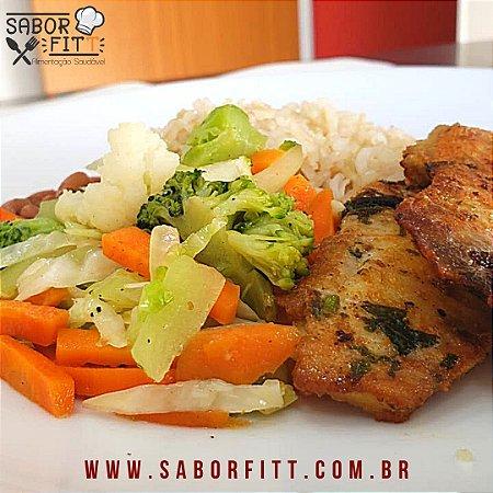 Filé de tilápia grelhada + Arroz Integral + Mix de Vegetais Salteados + Feijão Carioca (350 Gramas)