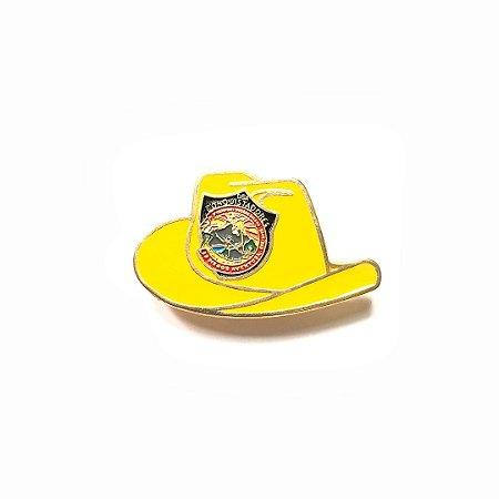 Pin, DSA 2019, chapéu, amarelo ocre, Conquistador