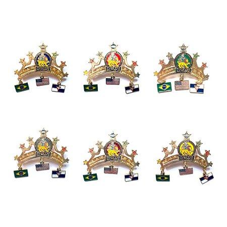 Set de Pins Forever Faithful, Coroa com três bandeirinhas