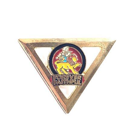 Pin Forever Faithful, triangulo
