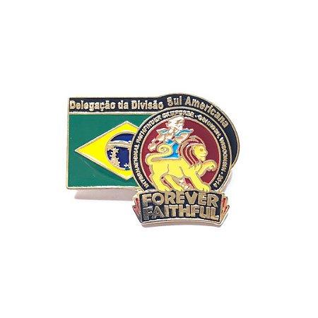 Pin Forever Faithful, Logo com bandeira do Brasil e fundo nas cores das classes
