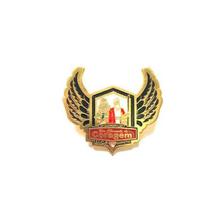 Pin, Um Chamado de Coragem, com asas, fundo Branco