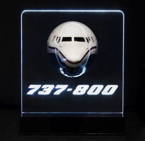 Maquete Seção Frontal BOEING 737/800 com iluminação - Aviões e Músicas