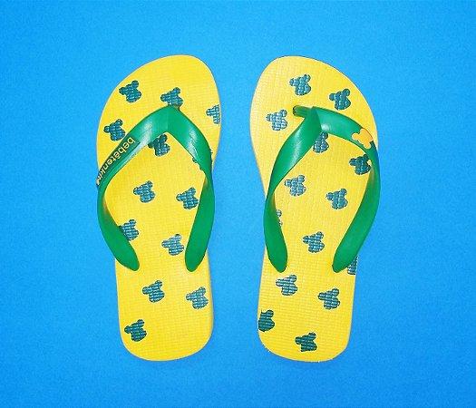 Chinelos de dedo infantil verde e amarelo Brasil