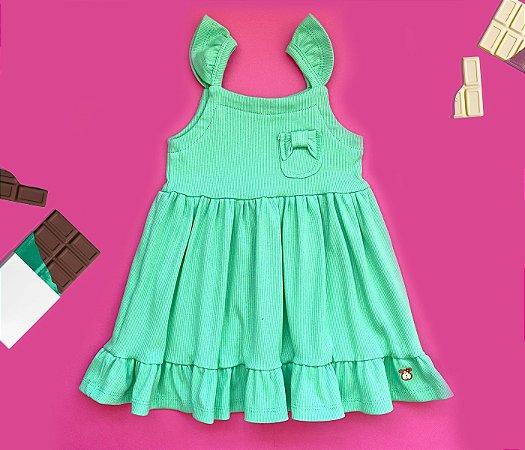 Vestido infantil verde básico cheio de estilo.