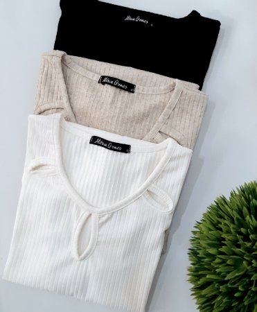 Blusa decote gota plus size