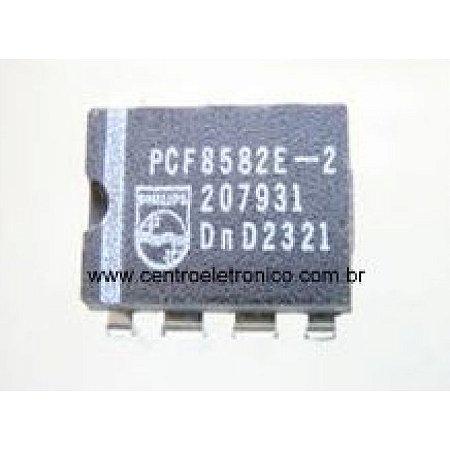 CIRCUITO INTEGRADO PCF8582E2 DIP