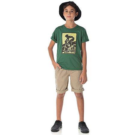 Camisa em meia malha cor verde floresta com puff na estampa