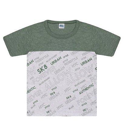 Camiseta Estampada na cor verde floresta e gola redonda