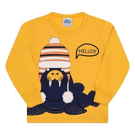 Camisa em meia malha amarelo pastel com estampa e detalhe em puff