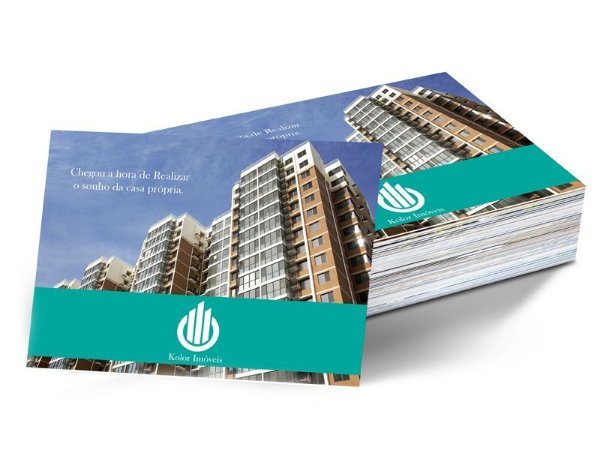 Folheto 15x21cm em Papel Couche 150gr com Verniz Total Frente e Verso
