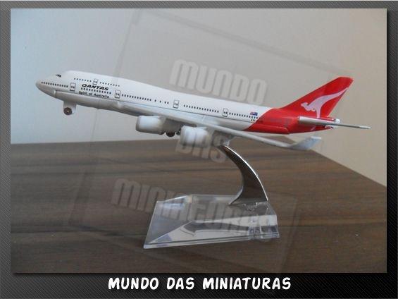 Avião Miniatura - Boeing 747-400 Qantas - Em Metal