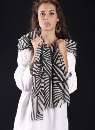 PASHMINA LÃ KASHMIRA GEOMETRICA BLACK AND WHITE